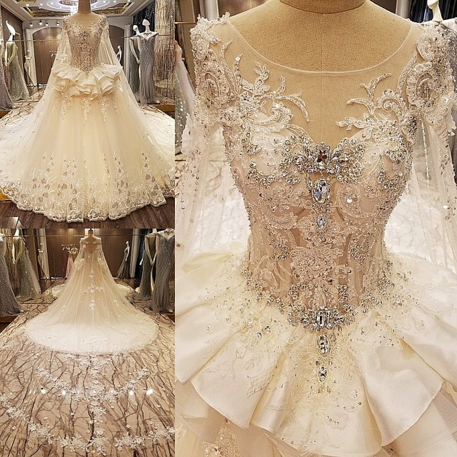 2017 New Model Luxury Crystal Lace Appliques Beaded Scoop Neck Wedding Dresses Real Photos Long Train Bridal Gowns with Shawl