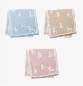 Image 5 - 25x50cm 100% toalha de algodão árvore de natal cervos padrão chlid rosto do bebê mão toalha de natal toque macio rápido seco toalha