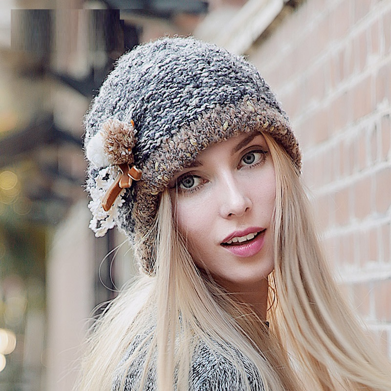 High-end Lady Hat Autumn Winter Fashion Cute Ear Protect Woolen Cap Pompons Knitted Cap Beanies Chapeu Feminino Factory Outlets fashion winter hat solid color woolen flat top cap unisex autumn and winter cap w005