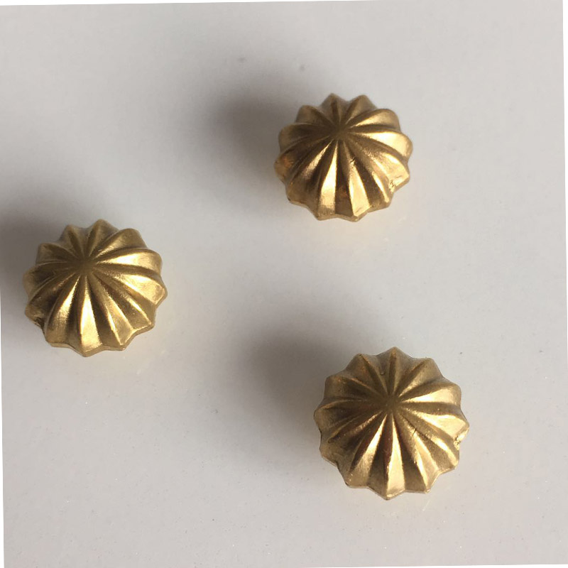 Wholesale DIY Copper Metal Accessories Gold FLOWERS Rivet With Screw Furniture Hardware GRT-13 50pcs 100% copper die casting 11 9mm round head rivet screw for bags hardware high quality rivets accessories