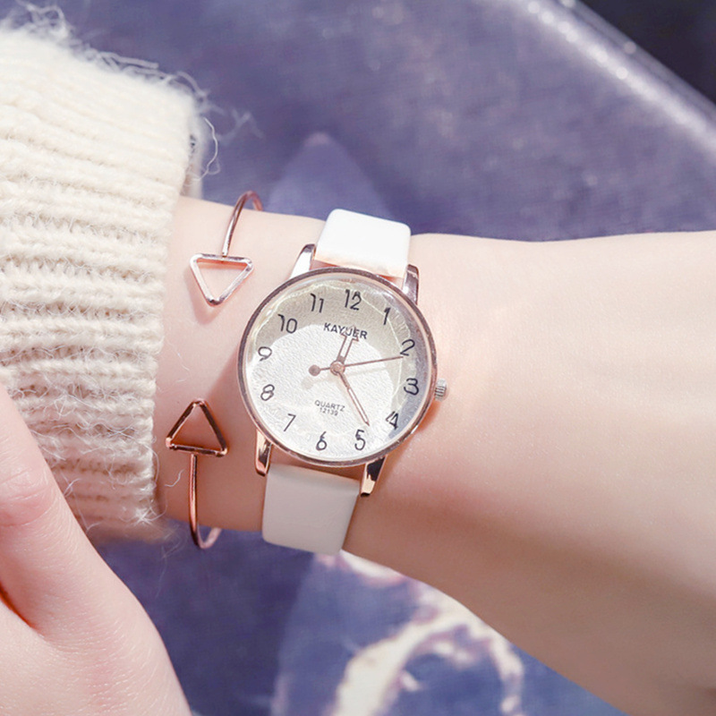 Small Fresh Design Fashion Women Watches Rose Gold Luxury Quartz Watch Ladies Cutting Surface Leather Wristwatches Woman Clock