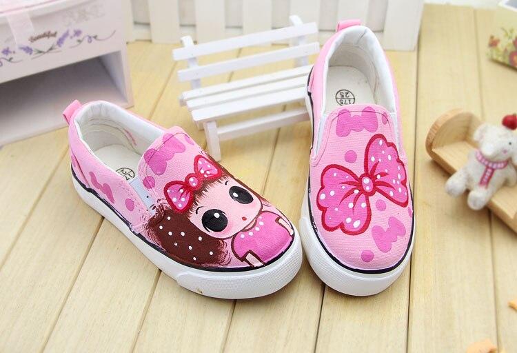 e904a4b226 2017 crianças de moda pintados à mão sapatos sapatas de lona das Crianças  primavera outono meninas gato dos desenhos animados ocasional apartamentos  ...