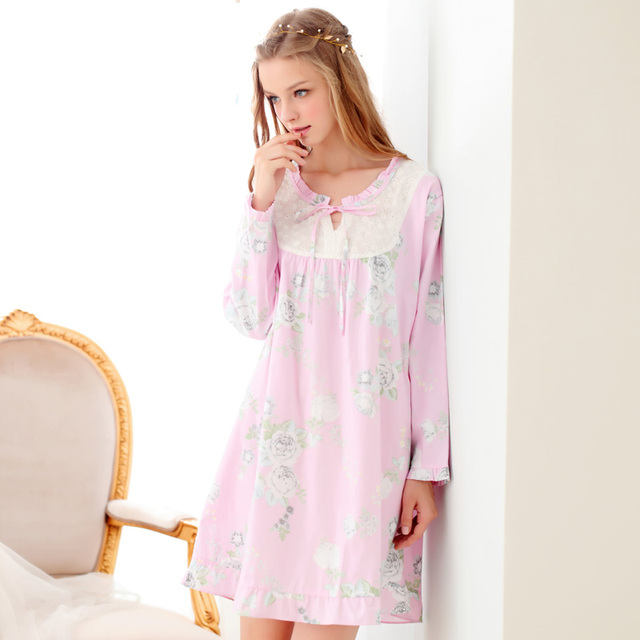 100% Tecidos de Algodão Mulheres Camisola Nightdress Lace da Longo-Luva Floral Impresso Em Torno Do Pescoço de Rosa Princesa Sleepwear