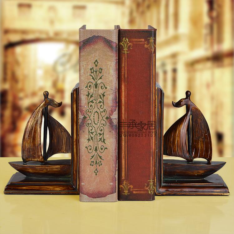цена American retro finishing sailboat bookend fashion antique resin book end vintage bookend онлайн в 2017 году