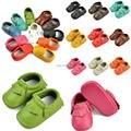Fedex UPS buque 2016 bebé bebé mocasines moccs moccs 100% de la capa superior de cuero suave moccs zapatitos de bebé niño zapatos 70 par/lote