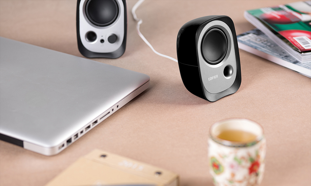 Edifier R12U Portable Speaker with Bass Stress for PCs and MACs