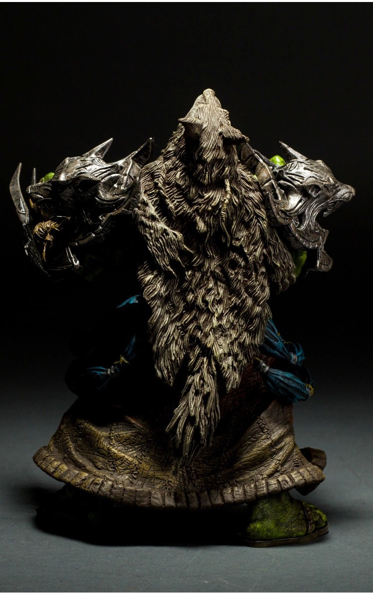 DC Unlimited Series 1 Wow Action Figure 7.75 inch Orc Shaman [Rehgar Earthfury] WOW Character PVC Figure 1