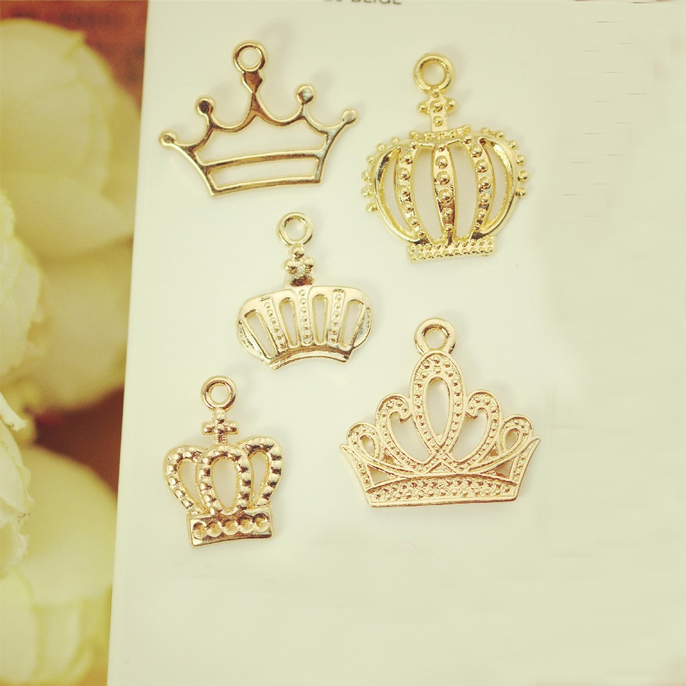 DIY European Fashion Charm Gifts 5 Crown Metal Charms For Jewelry Making Pendant Floating Charm Key Chains As Accessories