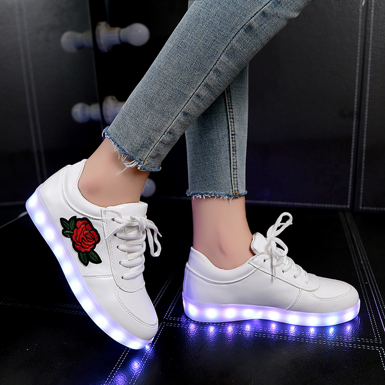 Ypyuna fahsion cesta LED Zapatos amantes ocasionales mujer niños zapatillas luminous sneakers china estilo Flor de Rose LED sneakers