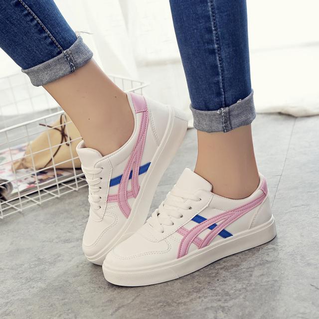 Mulheres Sapatos de Marca de Skate Sapatos Brancos Clássicos sapatos Casuais Formadores Cesta de couro Mulheres Planas Casuais Sapatos de Skate Marca