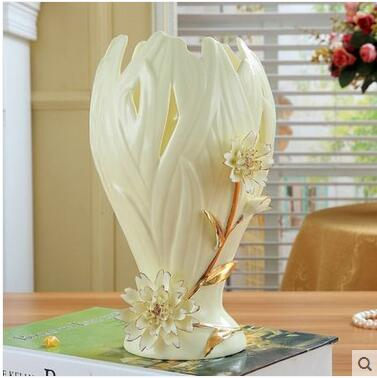 European Ceramic Vase Is Rich And Expensive Bamboo Lily Water Is