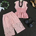 Meninas Rendas Roupas Conjunto Rosa Sem Mangas Colete Camisa + Rendas Calças Florais Slastic Cintura Elegante da Roupa Do Bebê Terno Da Menina Alta qualidade