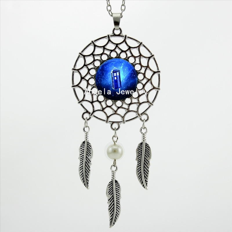 2017 Trendy Style Dr Who Tardis Necklace Glass Box Time Travel Jewelry Dream Catcher Feather Necklace DC-00504