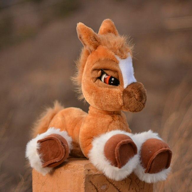 Jouets en peluche vraie vie poupée de cheval grand jouet enfants oreiller cadeau d'anniversaire doux grande guerre cheval poupées sonnera