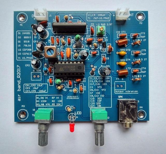 DYKB Aviation band receiver 118 136MHz High sensitivity aviation radio AM diy kit calls between aircraft and tower VHF antenna