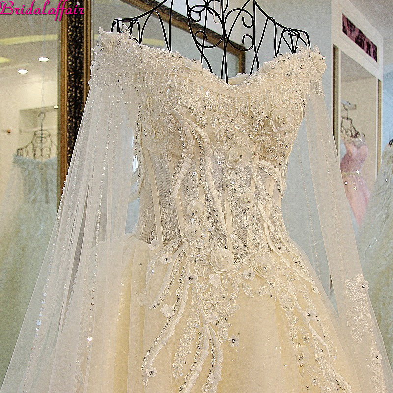 Image 4 - Real Image Luxury Wedding Dresses 2019 Vsetido De Novia Crystals Lace Wedding Dresses Beading Appliques Royal Train Bridal Gowns-in Wedding Dresses from Weddings & Events