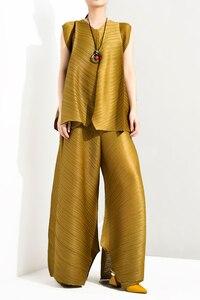 Image 3 - Lanmrem 2020 verão nova moda temperamento feminino solto mais casual plissado sem mangas colete solto calças largas perna terno tc194