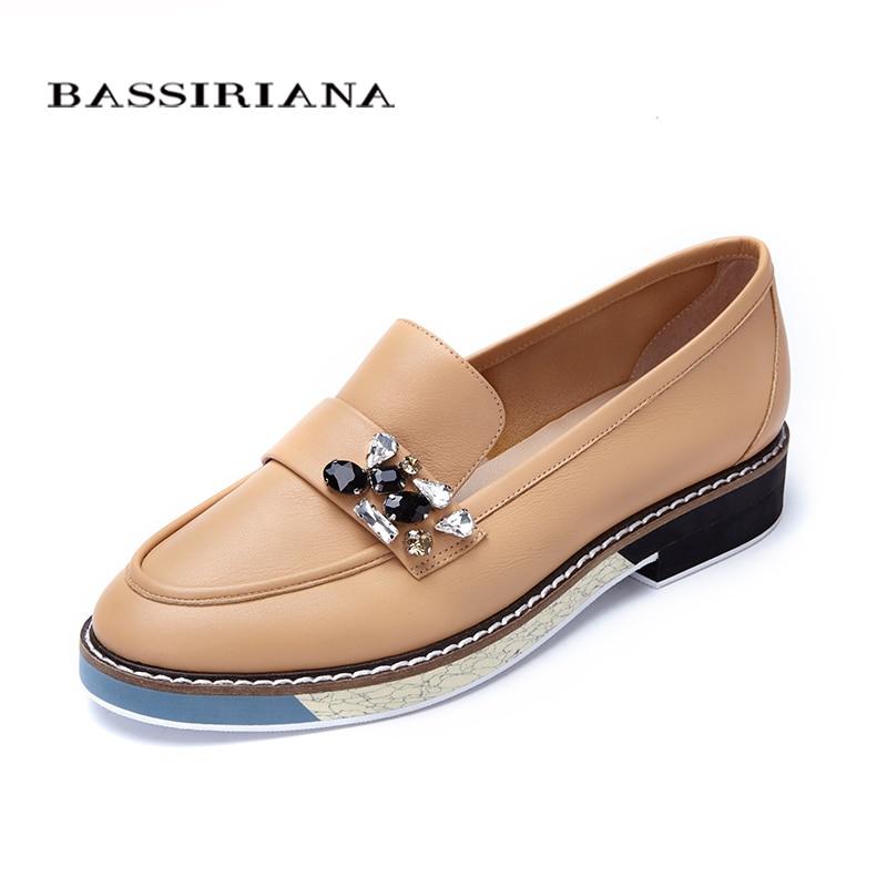 Zapatos de cuero mujer 2017 Primavera Otoño Azul Negro Marrón Punta Redonda Zapatos casuales para mujer Modelo básico Envío gratis BASSIRIANA