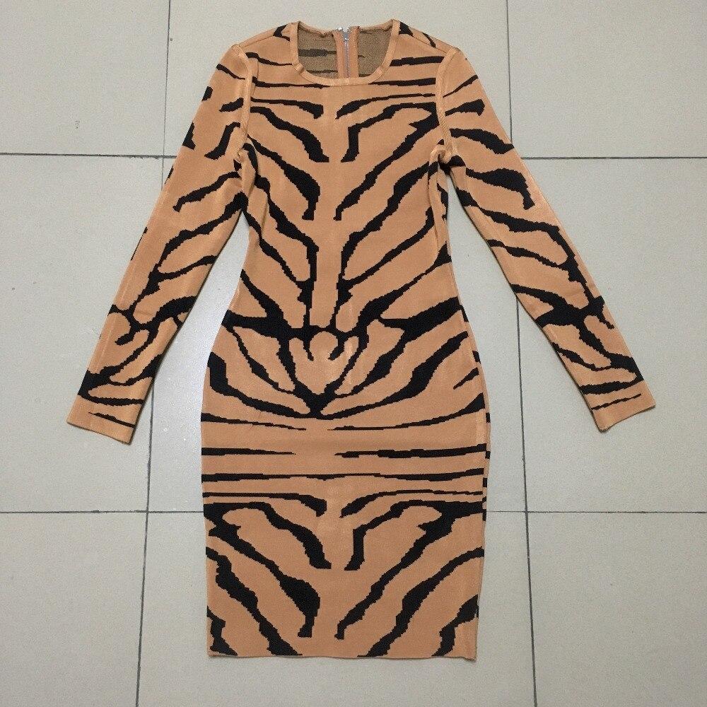 虎パターンセクシーなレディースロングスリーブ包帯ドレスラウンドネックジャガードストライプドレスライトブラウン  グループ上の レディース衣服 からの ドレス の中 3