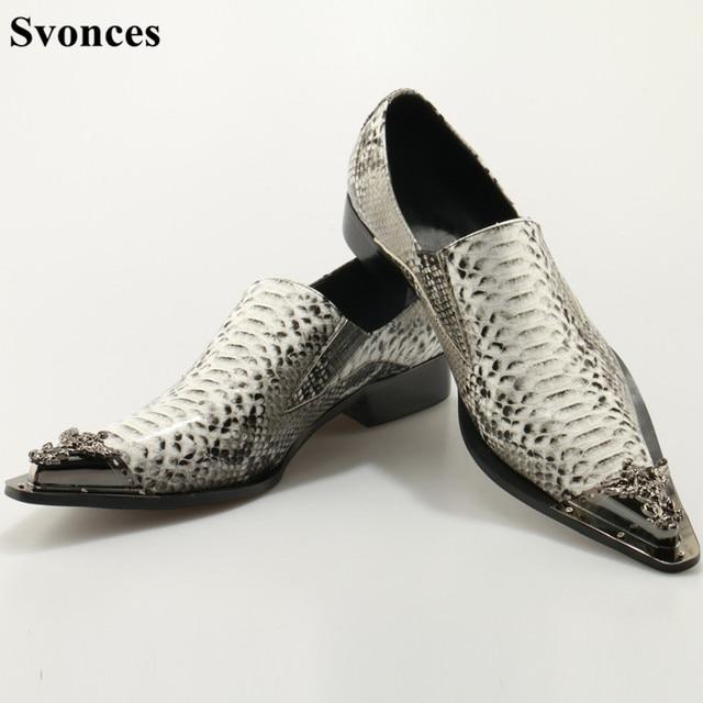 b8434d1ff7b Svonces Chaussure Homme Style coréen hommes chaussures habillées en métal  bout pointu chaussures Oxfords hommes gris