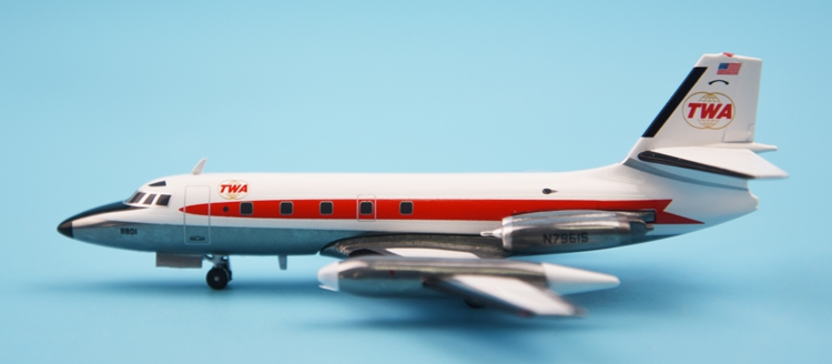 Special offer new rare IF200 1:200 Global airlines L-1329 N7961S Model plane Alloy collection model Holiday gift fine special offer jc wings 1 200 xx2457 portuguese air b737 300 algarve alloy aircraft model collection model holiday gifts