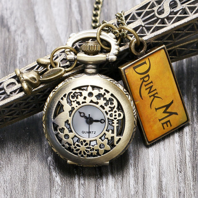 2017 New Vintage Watches Drink Me Alice In Wonderland Pocket Watch Necklace Cloc