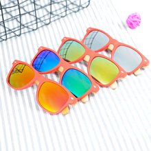 BOBO BIRD Wholesale Men Plastic Sunglasses Women Polarized Cheap Wooden Bamboo Sun glasses With Wood Box Eyewear Custom logo