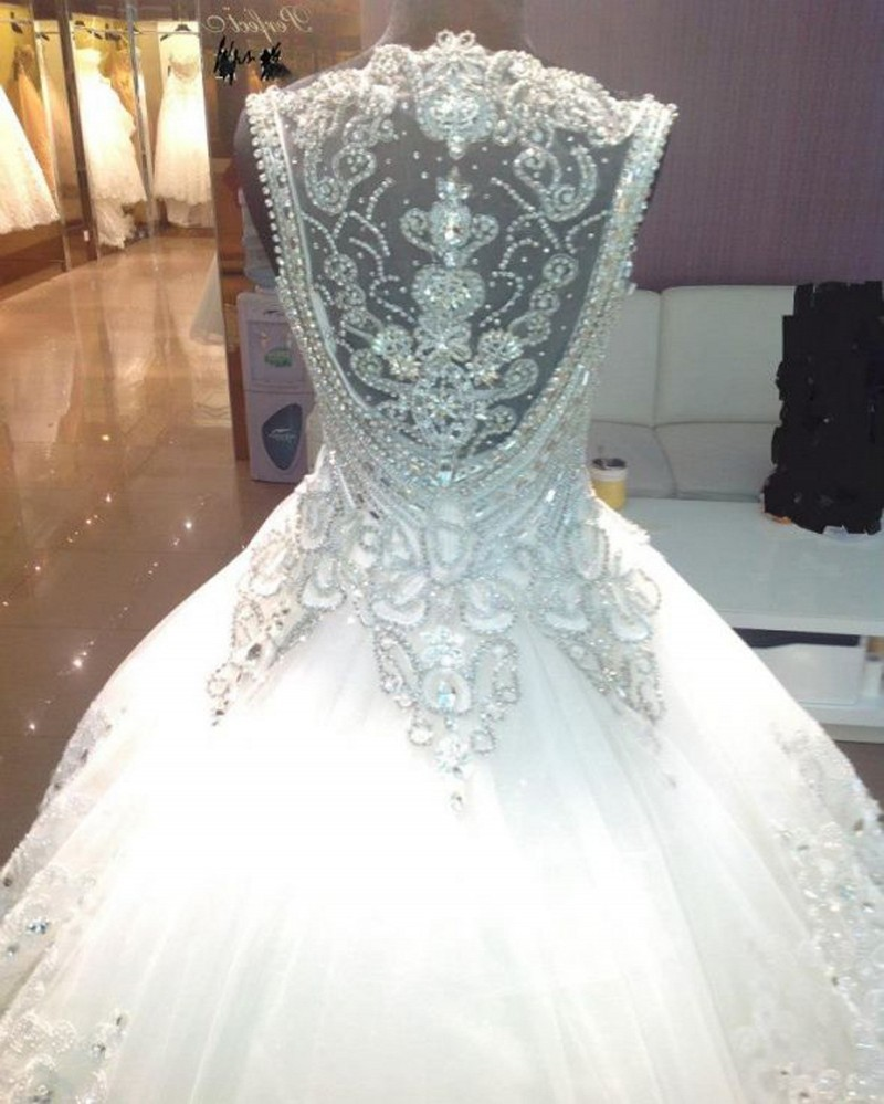 Luxury 2017 Ball Gown Wedding Dress Crystal Beaded 2016 Cathedral ...