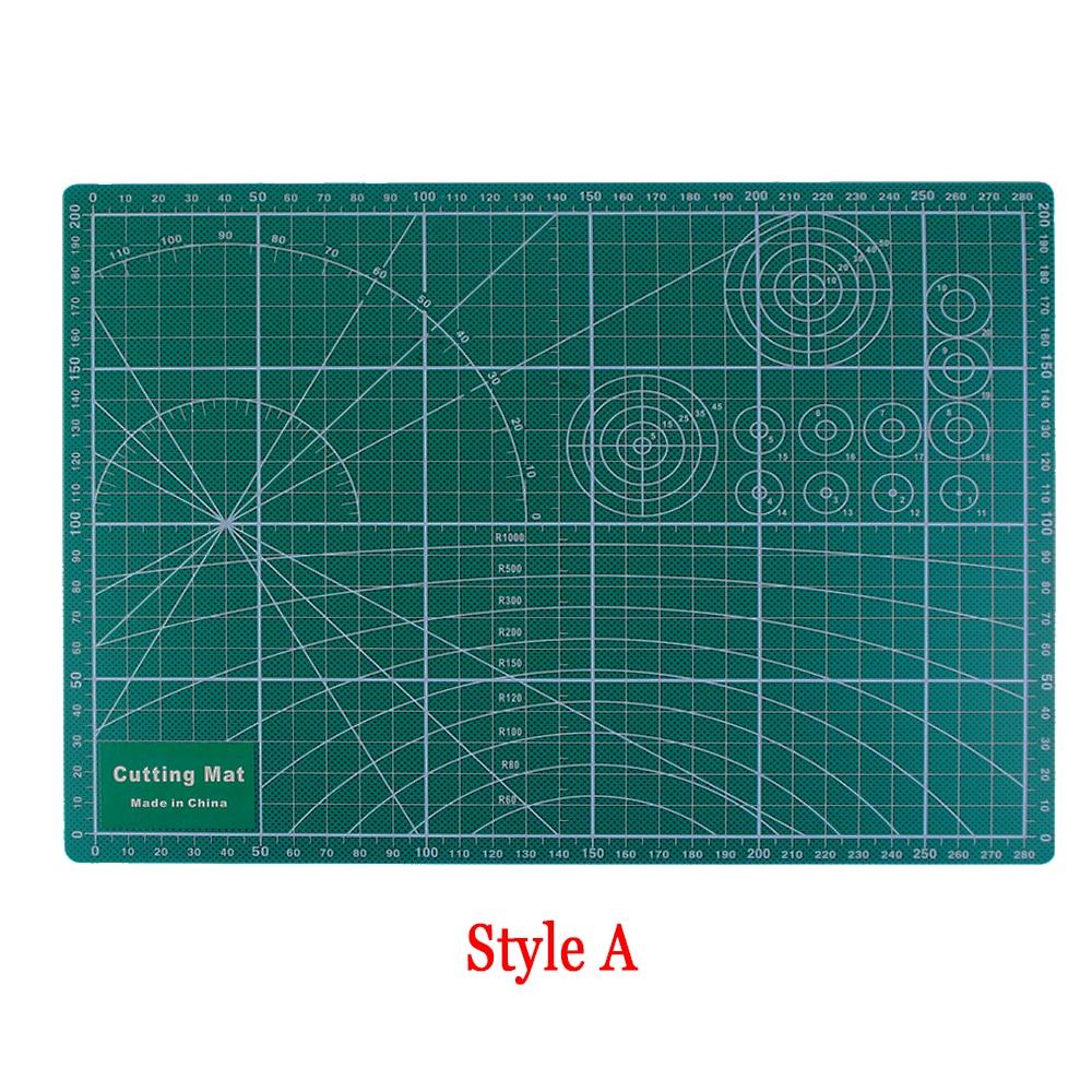 Random Sent PVC Cutting Mat A4 Durable Cut Pad Patchwork Tools Handmade Diy Accessory Cutting Plate 30*22cm