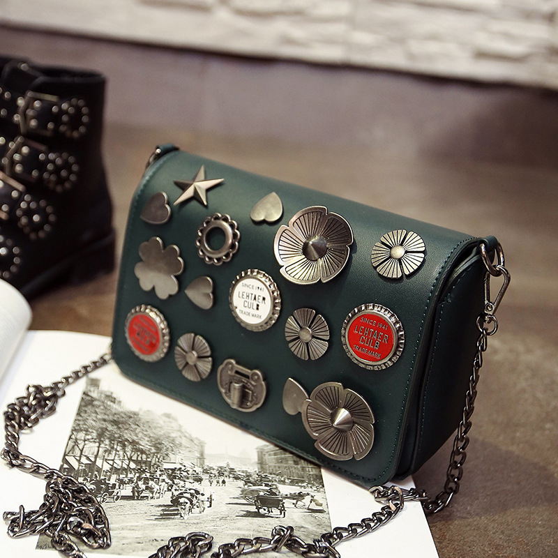 Retro badge rivet chain fashion ladies handbag casual totes shoulder bag pu leather female crossbody messenger bag 3 colors  new arrival fashion color rivet metal decoration female totes shoulder bag handbag women s crossbody messenger bag 2 colors