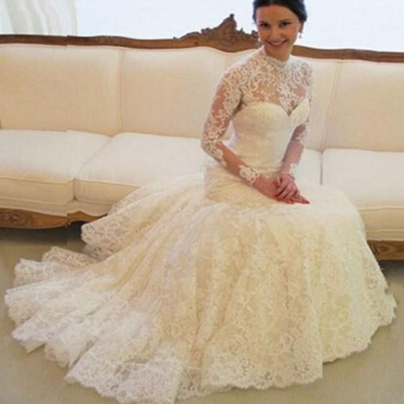 f9bf56dd48c ... Vintage Lace Wedding Dresses High Neck Illusion Sleeved Open Back Aline  Wedding Gowns Custom Made Chapel