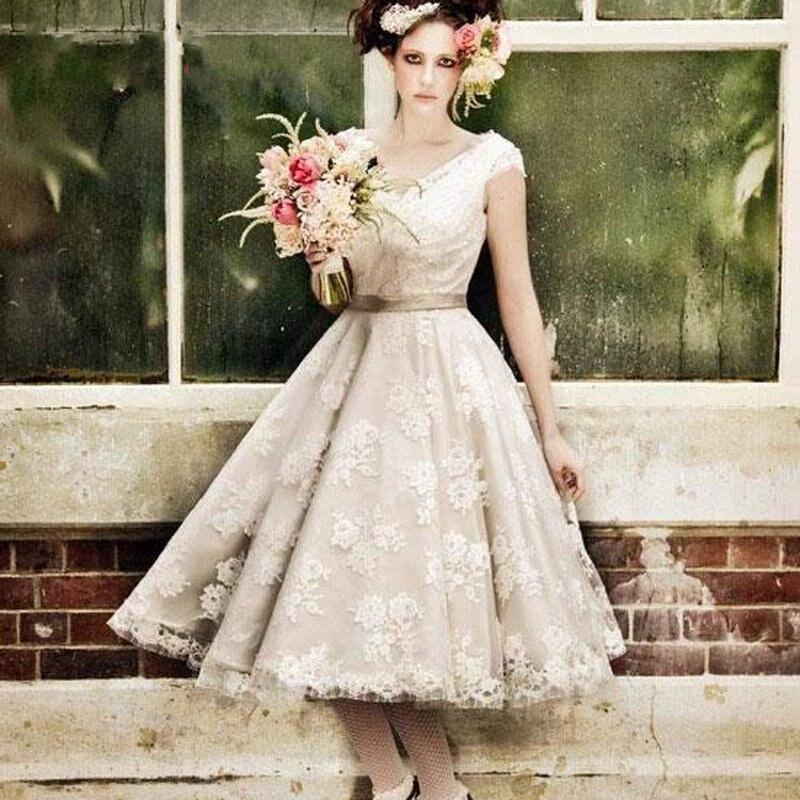 1950s Retro Ball Gown Wedding Dresses 2017 Short Sleeve V