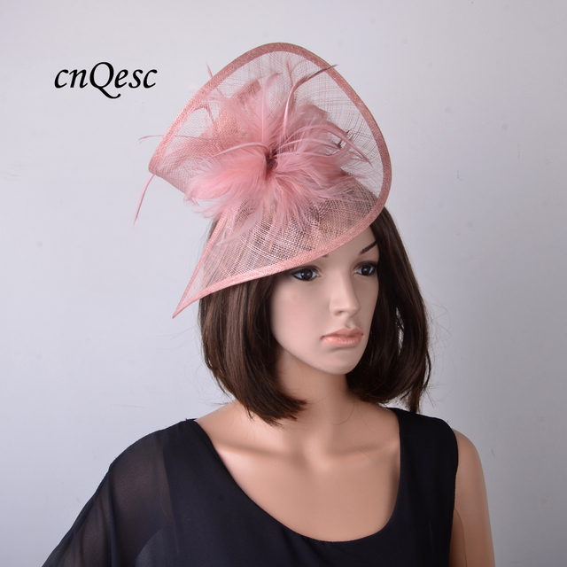 Nuovo blush rosa malva chiesa cappello Sinamay di fascinator copricapo da  sposa con il fiore della piuma per Ascot cc1f9b54bd88
