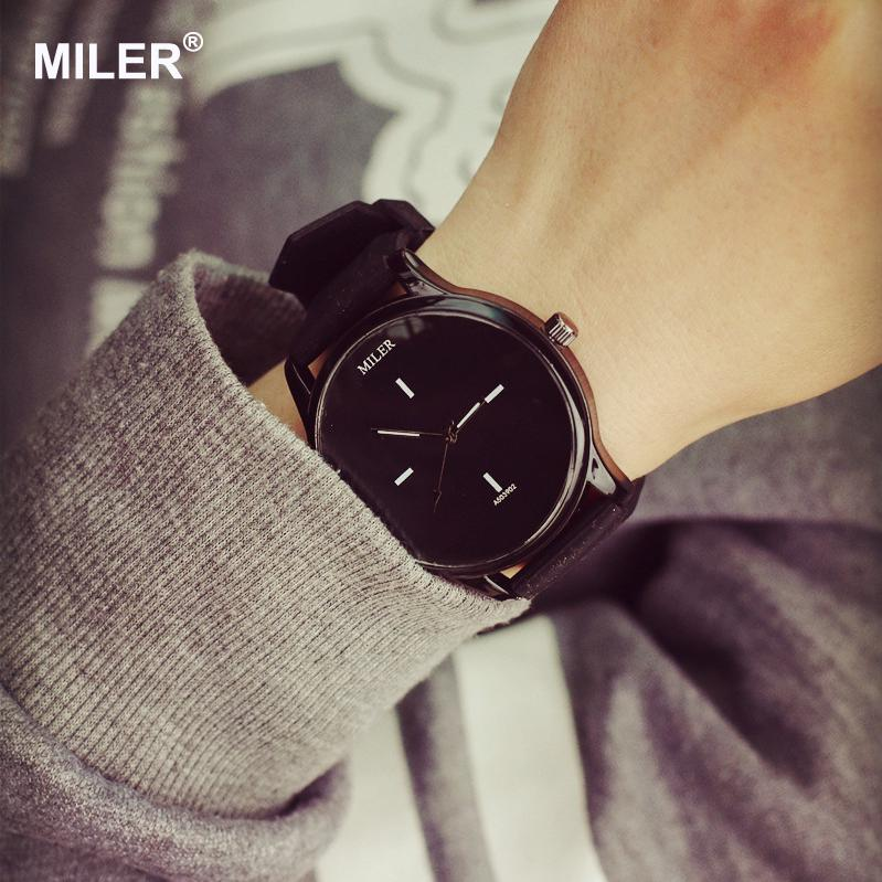 High Quality Fashion Brand Soft Silicone Strap Jelly Quartz Watch - Dameure - Foto 3