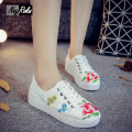 2017 Spring butterfly Embroidery flats shoes women sneakers Casual lace board superstar shoes Flat white shoes zapatos mujer