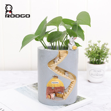 Roogo Resin Home Garden Flower Pot Succulent Planter Pots Outdoor Flowerpot For Balcony Decoration Home Desktop Pen Holder Decor