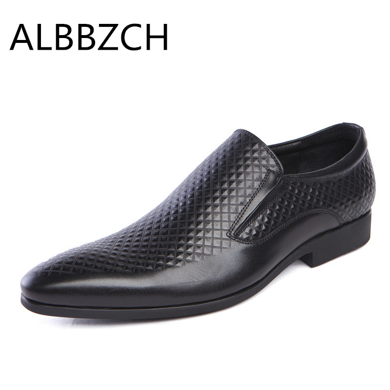 New men shoes pointed toe slip on embossed leather mens dress shoes formal suit wedding shoes men quality busines work shoes 44New men shoes pointed toe slip on embossed leather mens dress shoes formal suit wedding shoes men quality busines work shoes 44
