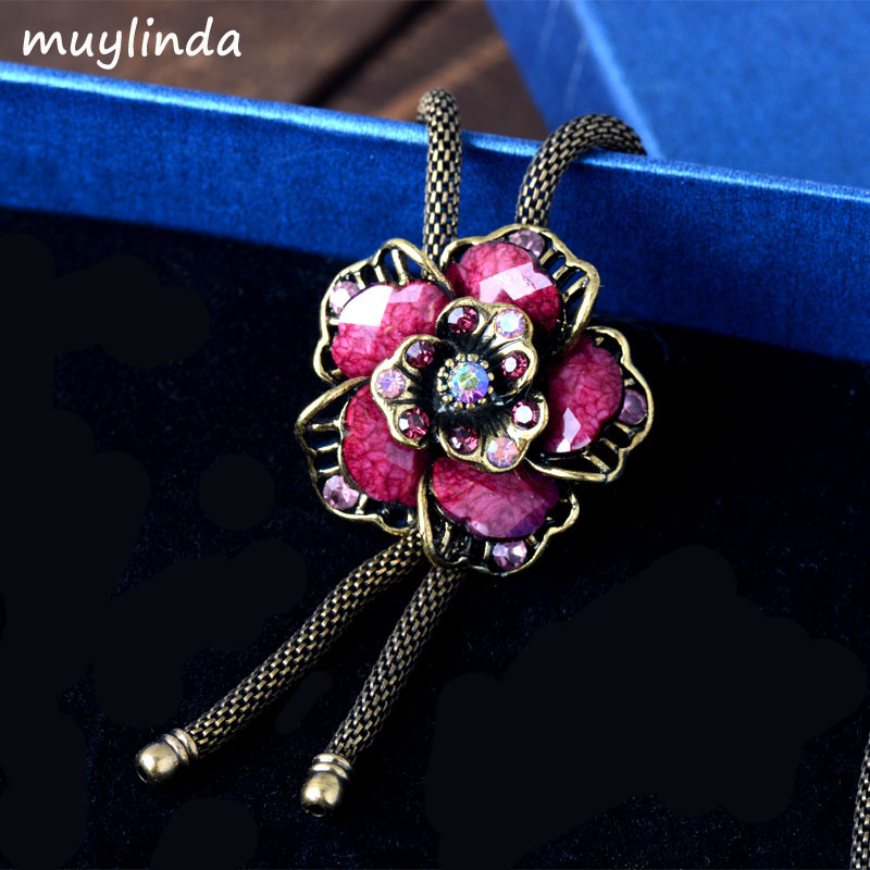 Retro Floral Flower Necklace Accessories Long Chain Antique Metal Sweater Necklace Jewelry For Women