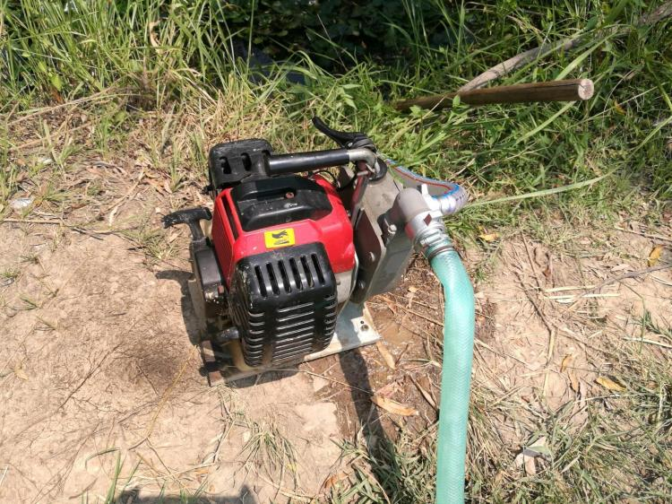 Small 1/1.5 inch 2-stroke gasoline engine self-priming pump / municipal drainage aid / farm irrigation / garden spray автомагнитола для toyota lc prado120 redpower 31182 ips dsp android 7