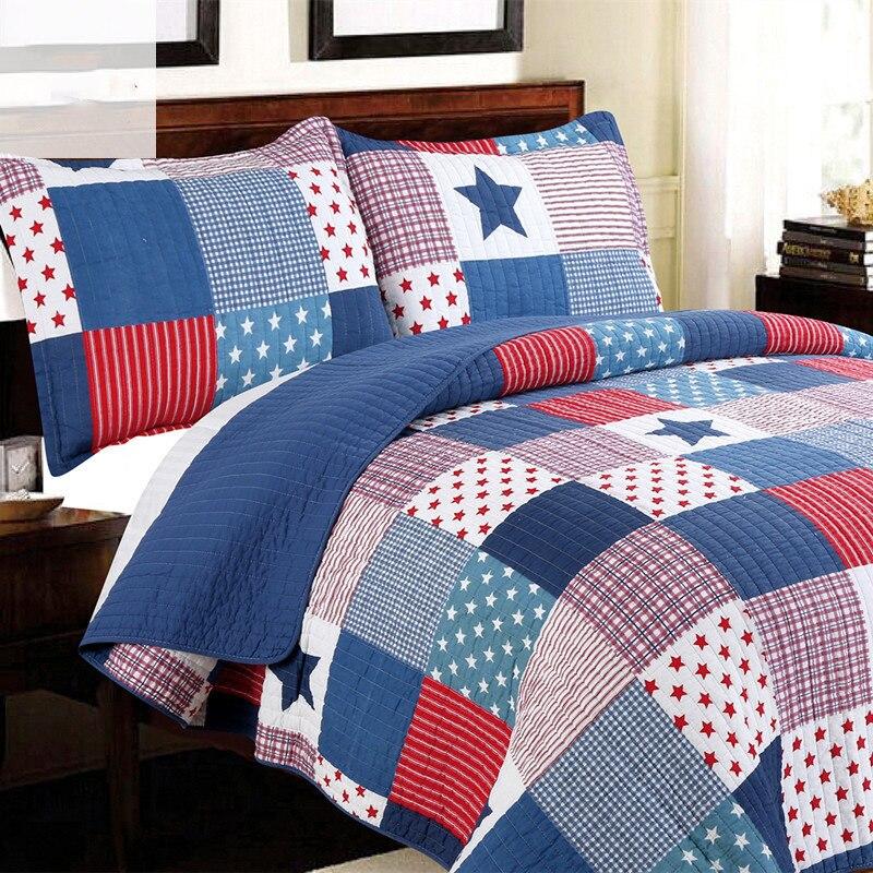 couvre lit couette imprime beautiful limprim motifs sinstalle dans la chambre avec du linge de. Black Bedroom Furniture Sets. Home Design Ideas