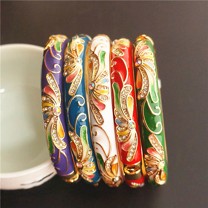 Colour Chinese Ethnic Big Bangles For Women Rhinestone Cloisonne Enamel Bangle Bracelet Fashion Jewelry birthday GiftColour Chinese Ethnic Big Bangles For Women Rhinestone Cloisonne Enamel Bangle Bracelet Fashion Jewelry birthday Gift