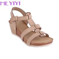 Heyiyi靴女性サンダルプラットフォームウェッジソフトpuレザー狭帯域カジュアル軽量リベットグラディエーター丸いつま先プラスサイズ