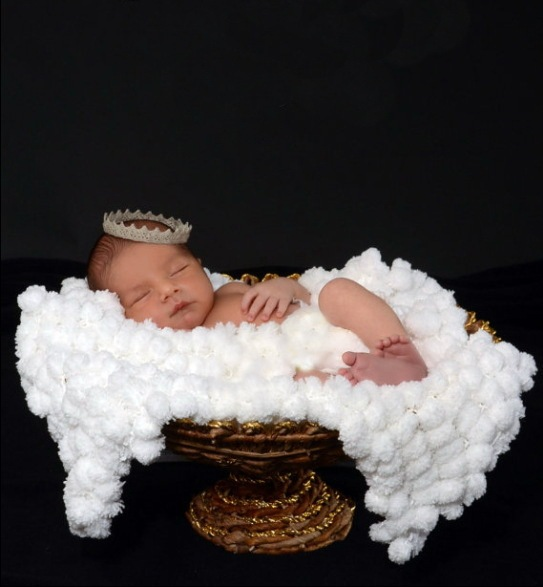 hot sale cute New Handmade wool knitting white balls blanket for Newborn baby photography props size:80*80cm 0.6kg Or so