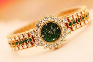 Image 2 - New Arrivral Luxury Diamond Small Dial Women Watches Ladys Elegant Dress Watch Girl Fashion Casual Quartz Watch Zegarek Damski