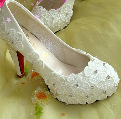 ФОТО Wedding shoes womens ivory, lace flower rhinestones bridal pumps heels shoe, red soles sexy platforms stable party pumps