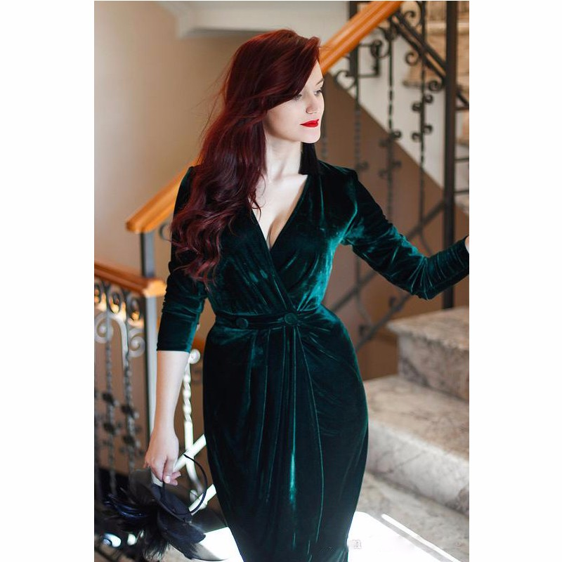 8bd102010dc Emerald Green Velvet Evening Dresses Charming Party half Sleeves Formal  Bride Gown Custom Deep V Neck-in Evening Dresses from Weddings   Events on  ...