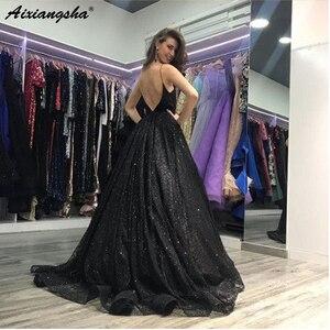 Image 2 - V מחשוף ללא משענת נשף ארוך אלגנטי שמלות עם פיצול אונליין ספגטי רצועות לטאטא רכבת שחור נצנצים שמלה לנשף 2019
