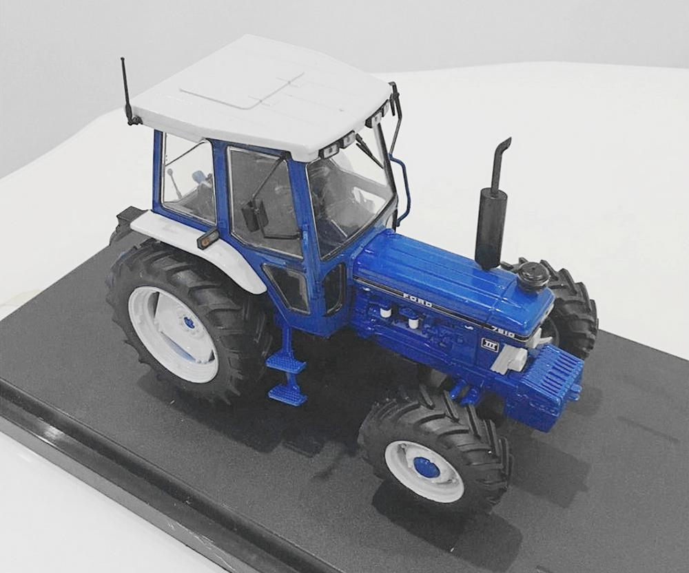 Universal Hobbies 1 32 Ford 7810 Farm Tractor Diecast Model UH2865