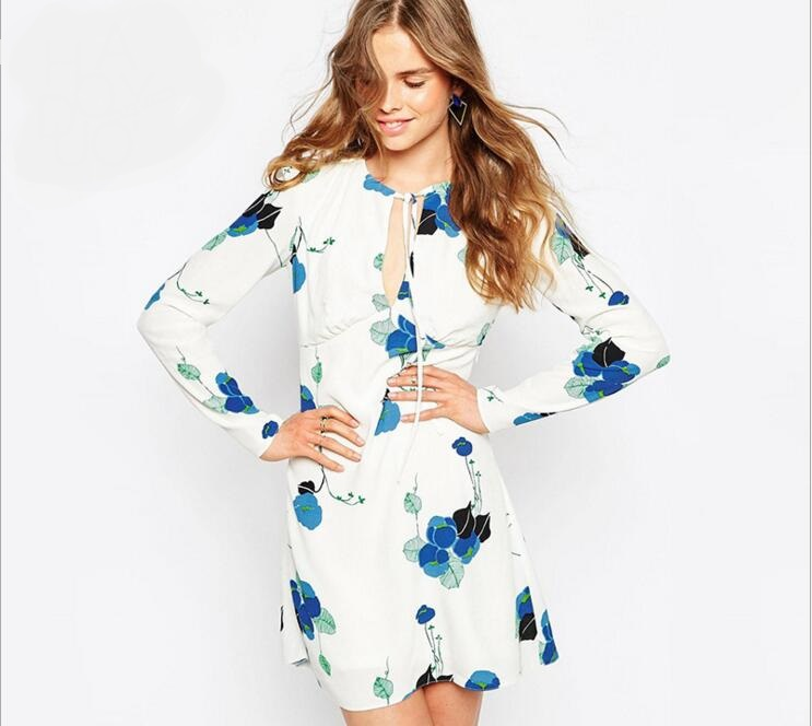 Spring dress in Europe and the elegant temperament bonding deep v neck plastic floral print dress