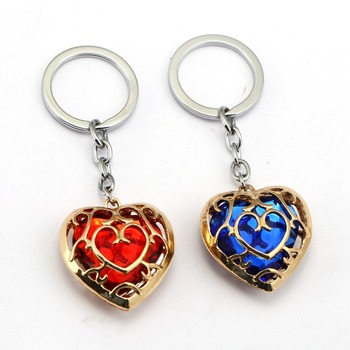 El llavero de la leyenda de Zelda azul corazón rojo cristal Soporte para Llavero coche de moda Chaveiro juego colgante de llavero regalo joyería